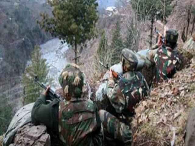 कश्मीर में दो मुठभेड़ में छह आतंकी ढेर, एक सैन्यकर्मी भी शहीद