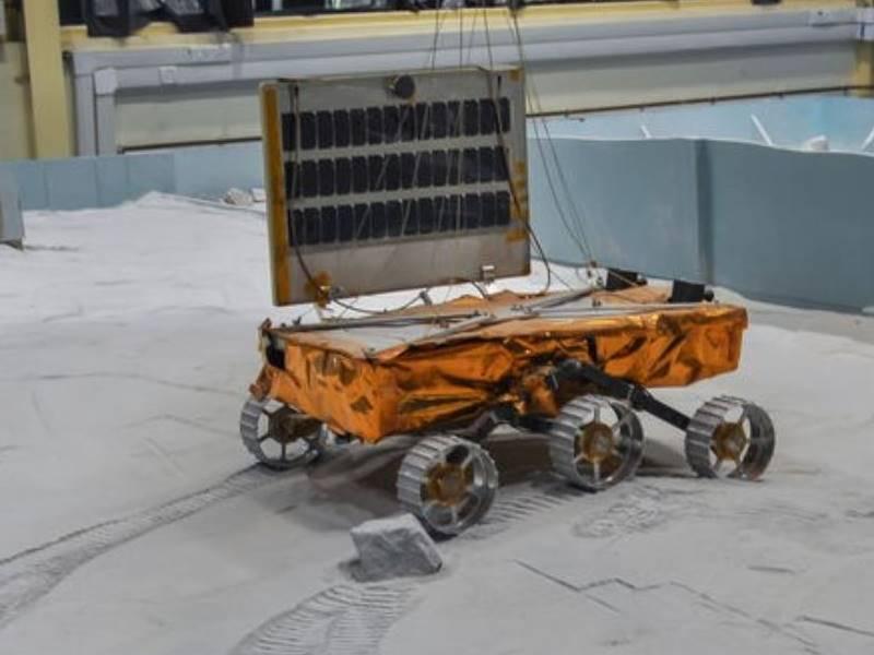Chandrayaan-2 Launch: विक्रम और प्रज्ञान जा रहे हैं चंद्रयान-2 के साथ, क्या जानते हैं आप इनके बारे में