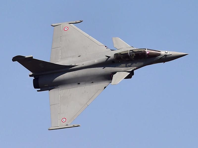 दशहरे पर लेगा भारत फ्रांस से पहला राफेल लड़ाकू विमान