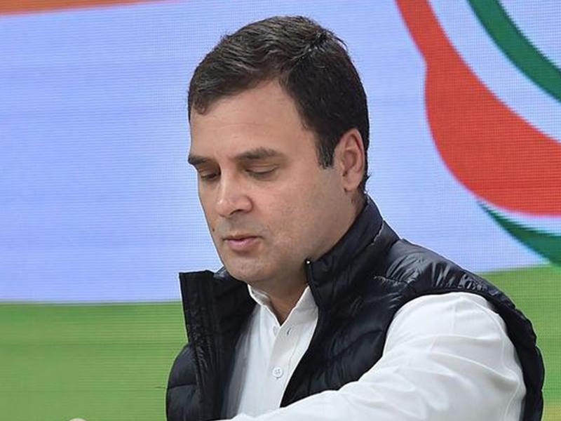 किसी से नहीं मिल रहे राहुल गांधी, उनके आवास पहुंच रहे कांग्रेस कार्यकर्ता