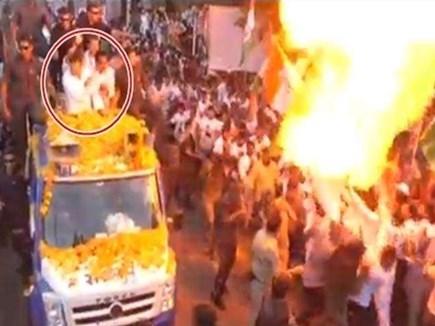 राहुल गांधी से महज 10 फीट की दूरी पर हुआ था गुब्बारों में धमाका