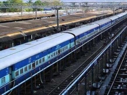 प्रेमी युगल ने बीना में ट्रेन के सामने कूदकर दे दी जान