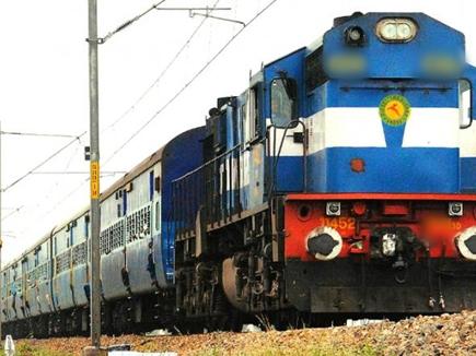 पटरियों पर घायल कराहता रहा और ट्रेन गुुजरती रहीं, बाद में अस्पताल में कर दिया मृत घोषित