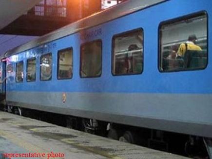 पहली बार अपने ठेकेदारों से जुड़े श्रमिकों का डाटा रखेगा रेलवे
