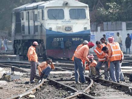 railway-employees-likely-to-get-78-day-wages-as-bonus
