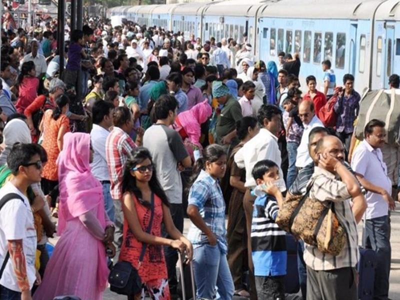 Diwali Rush : ट्रेनें तो हुईं फुल, बसों की सीटें भी एक हफ्ते बाद हो जाएंगी बुक