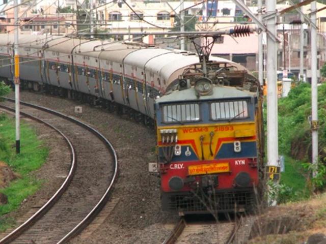 RRB NTPC Recruitment 2019: 12वीं पास के लिए रेलवे में वैकेंसी, आज है आवेदन की आखिरी तारीख