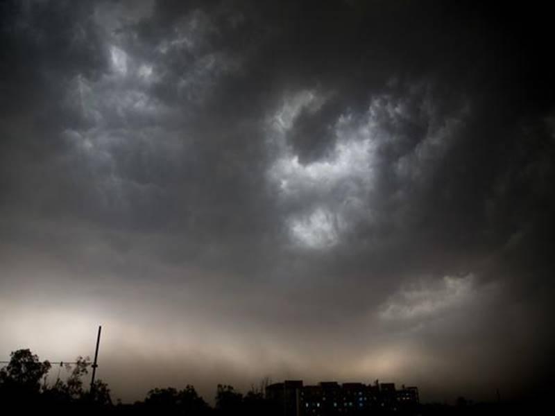 अब Gujarat के इस इलाके में जारी हुआ भारी बारिश का अलर्ट, आज और कल रहें सावधान