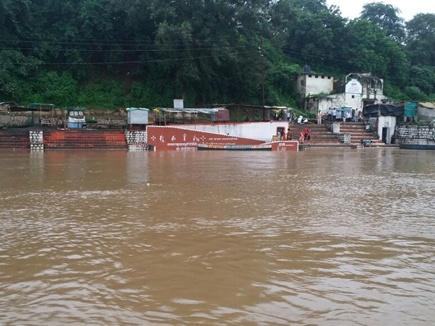 महाकोशल में जोरदार बारिश से नदी-नाले उफने, कई मार्ग बंद