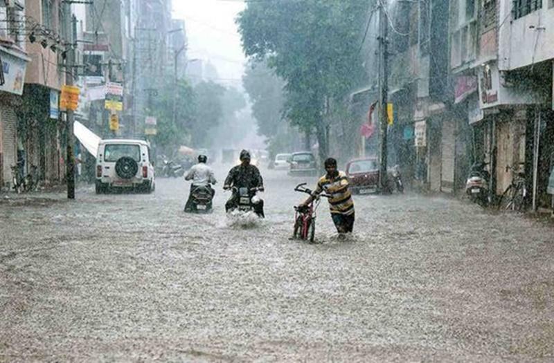 Monsoon Rain: मानसून अभी सक्रिय, ऐसा रहेगा शुक्रवार को देश का मौसम