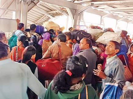 raipur railway station stampede 2018114 83258 14 01 2018