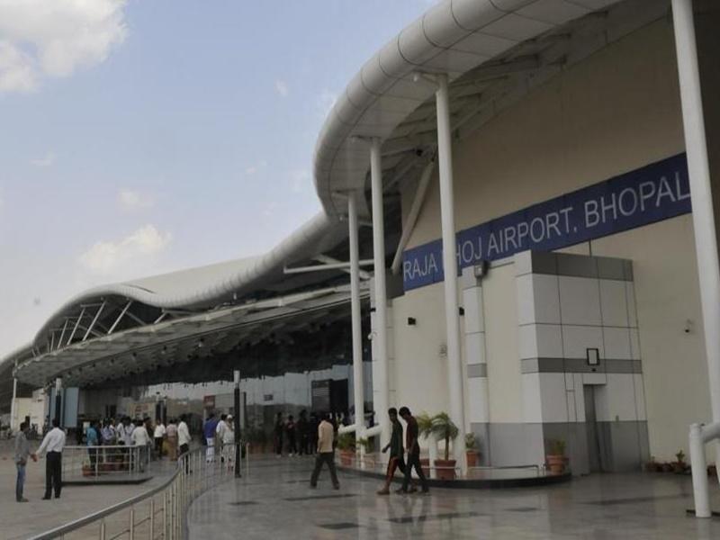 भोपाल एयरपोर्ट पर पैंसेंजर ग्रोथ रेट बढ़ा, लेकिन सवा लाख संख्या वाले क्लब से अब भी बाहर