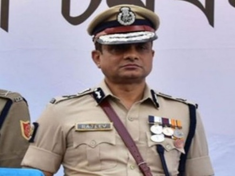 Saradha Chitfund scam : कोलकाता के पूर्व पुलिस कमिश्नर राजीव कुमार की अग्रिम जमानत याचिका खारिज