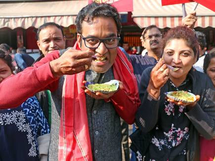 इंदौरी अंदाज से ही मिला संजय दत्त की बायोपिक में मौका
