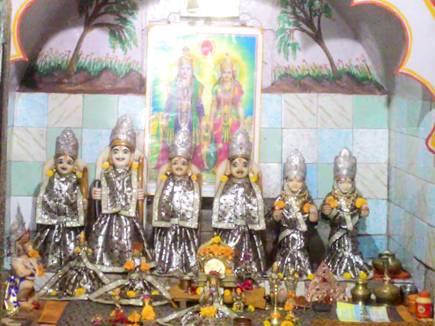 Video: मंदिर जहां राम, सीता और लक्ष्मण की हैं दो-दो मूर्तियां, जानें कहानी