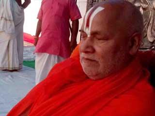 राम मंदिर पर बयान के बाद रामभद्राचार्य को मारने की धमकी