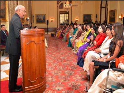 देश की अग्रणी महिलाओं को राष्ट्रपति ने किया सम्मानित