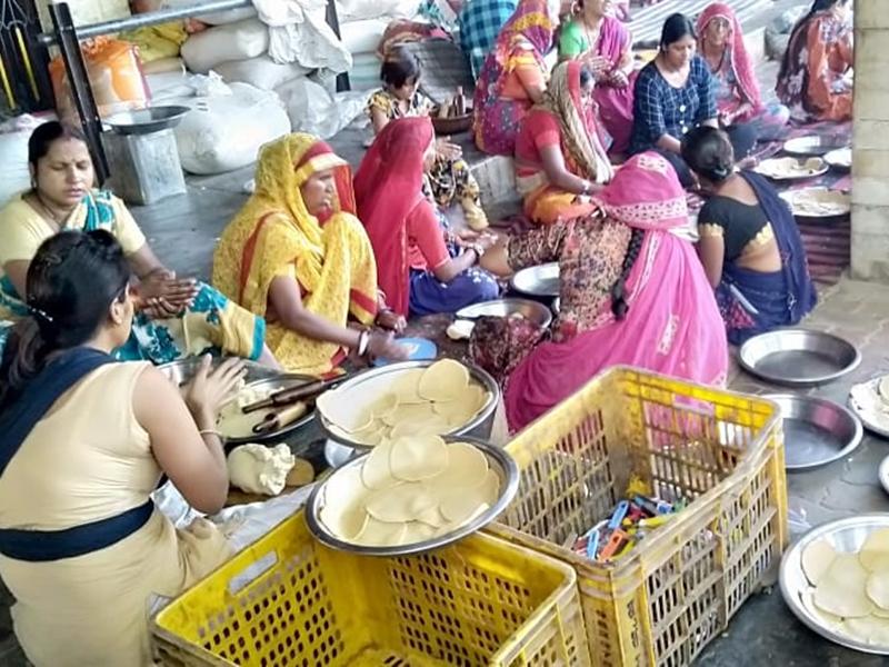 Butati Dham Special: रोज 5 हजार लोगों को मिलता है निशुल्क भरपेट भोजन, पढ़ें विशेष रिपोर्ट