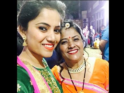 मिसाल: जयपुर की इस लड़की ने करवाई विधवा मां की शादी