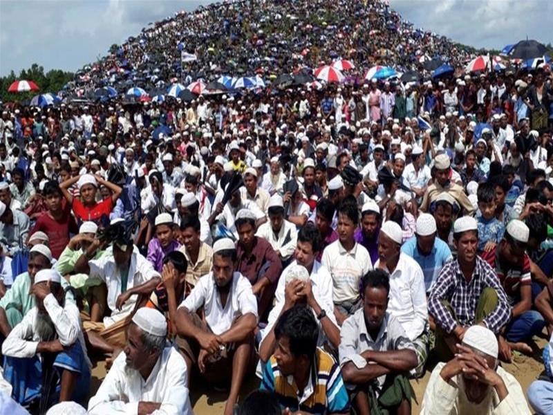 दो लाख रोहिंग्याओं ने बांग्लादेश के शरणार्थी शिविर में निकाली रैली