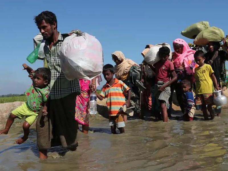 बांग्लादेश ने कहा हजारों रोहिंग्या द्वीप पर बसने को तैयार, चिंता यह कि बाढ़ में डूब न जाए द्वीप