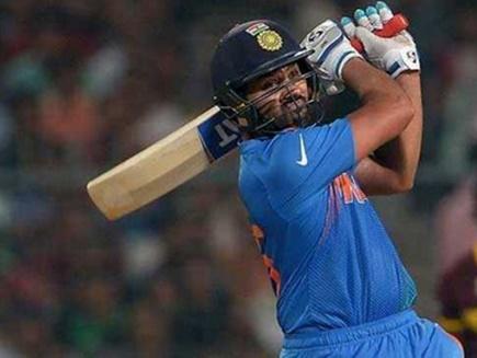 इंदौर  टी20 :रोहित की फिफ्टी, भारत की तूफानी शुरुआत