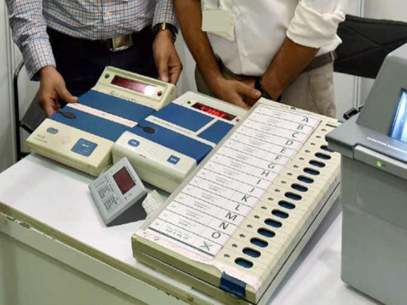 Dantewada by election : शुरुआती दो राउंड में कांग्रेस की देवती कर्मा आगे