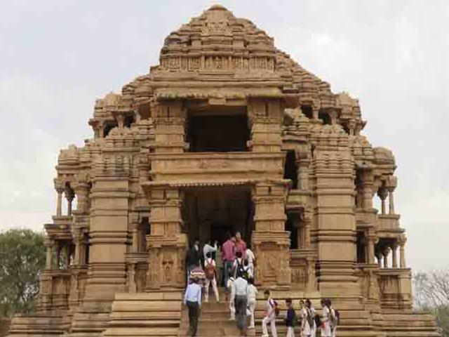 Saas-Bahu Temple: भगवान विष्णु के इस मंदिर को 'सास-बहू' का मंदिर कहा जाता है, जानिए क्यों