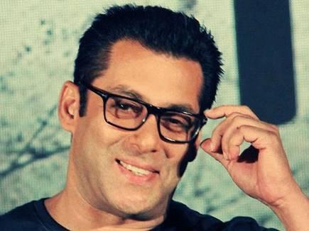 Salman Khan: अपने पोर्ट्रेट को Being human में लॉन्च करेंगे सलमान खान