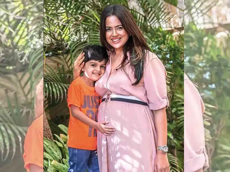Sameera Reddy Blessed With Second Baby: समीरा रेड्डी ने शेयर की बेबी की Cute Photo, फैंस को दी Good News