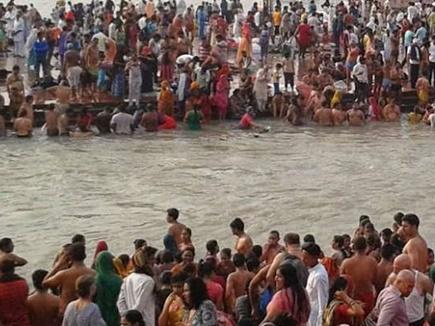 इलाहाबाद : संगम पर पंचमी का स्नान सोमवार को, 50 लाख श्रद्धालुओं के आने का अनुमान
