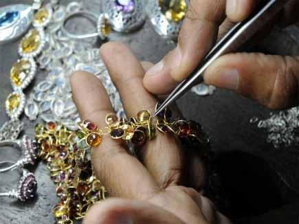 छब्बीस हजार बंगाली कारीगरों के पते-ठिकाने पुलिस के पास नहीं