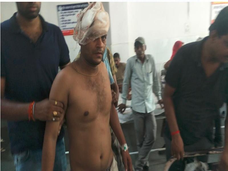 ट्रकों से जबरन वसूली कर रहे थे बदमाश, रोकने पहुंचे पुलिसकर्मियों से लूटी रायफल ! Satna News