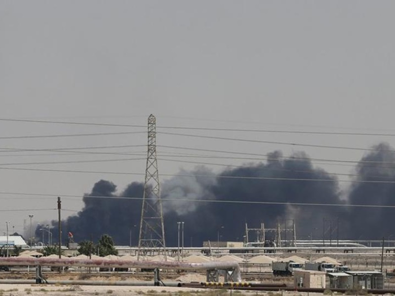 सऊदी ने कहा- ड्रोन हमले से पटरी से उतरे तेल के उत्पादन को सितंबर अंत तक कर लेंगे समान्य