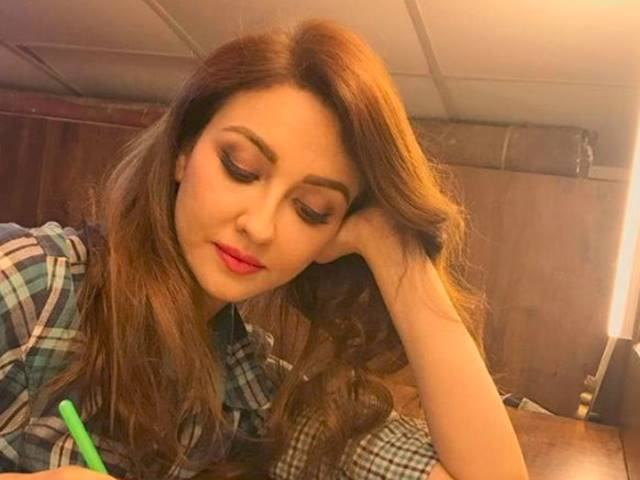 Bhabi Ji Ghar Par Hain पर गोरी मैम Saumya Tandon की वापसी तो हुई लेकिन शर्तों के साथ