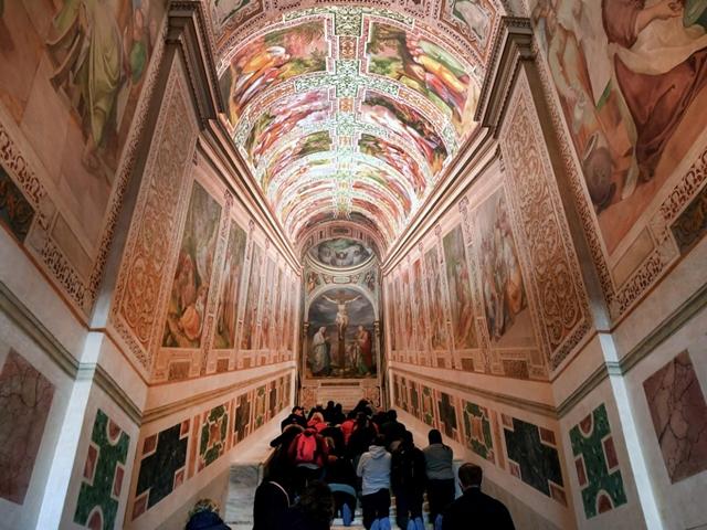 Good Friday : 300 साल बाद खोली गईं पवित्र सीढ़ियां, जानिए जीजस क्राइस्ट से क्या है संबंध