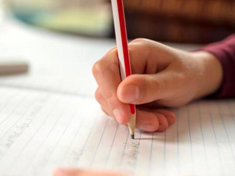 एक हफ्ते से नहीं किया था होमवर्क, सजा से बचने के लिए छठी के बच्चे ने सुनाई फिल्मी कहानी