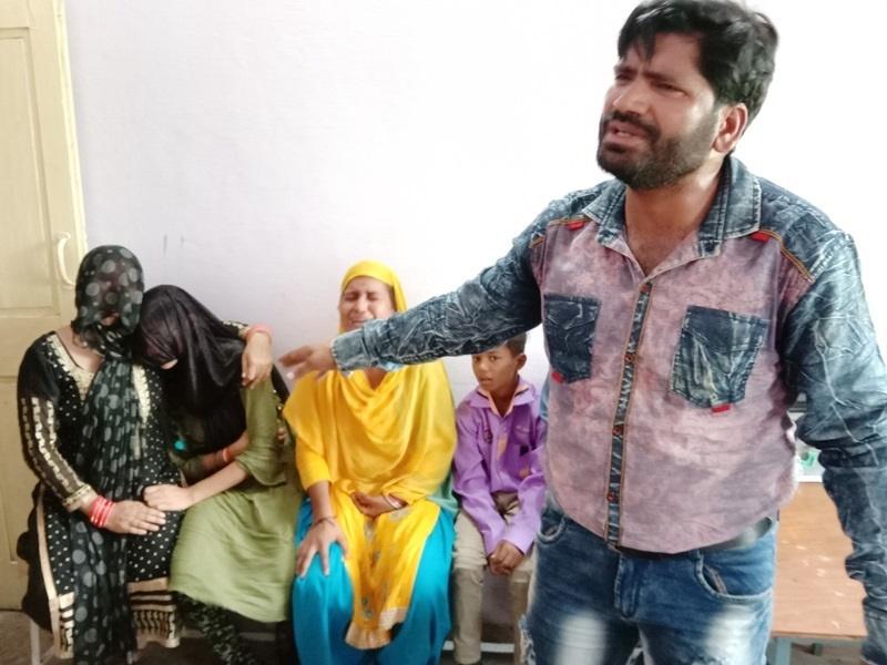 बच्चा चोर गिरोह समझ दिल्ली के परिवार को पीटा, 25 पर केस