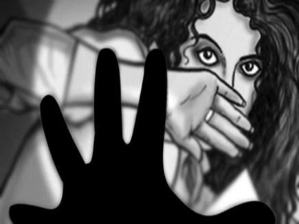 74 बंगले के विधायक निवास में नौकरों ने किया नौकरानी से दुष्कर्म