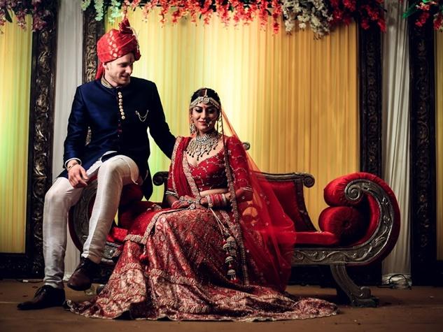 जर्मन फुटबॉलर के साथ विवाह बंधन में बंधी इंदौर की हिमांगिनी