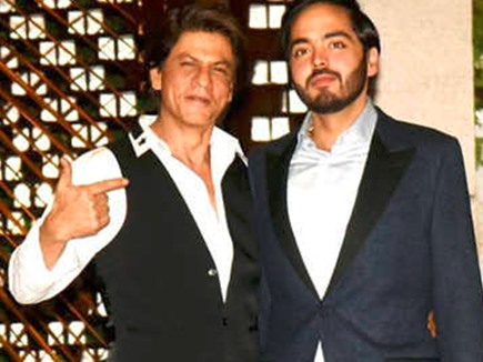 जब शाहरुख ने अंबानी के बेटे से पूछी फर्स्ट सैलरी, जवाब ऐसा मिला