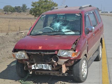 शाजापुर के पास एबी रोड पर वाहन दुर्घटना, अशोकनगर के 10 युवक घायल