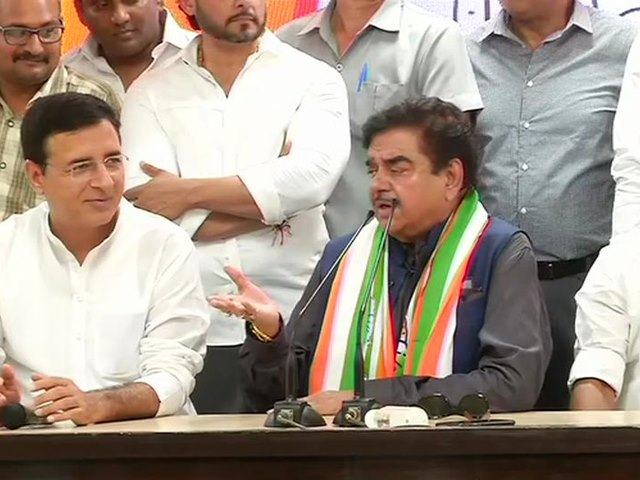 कांग्रेस में शामिल होते ही शत्रुघ्न सिन्हा को पटना साहिब से मिला टिकट, रविशंकर प्रसाद से होगा मुकाबला