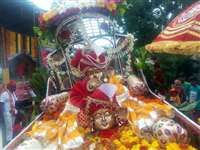 राजसी ठाट-बाट के साथ शहर भ्रमण पर निकले महादेव