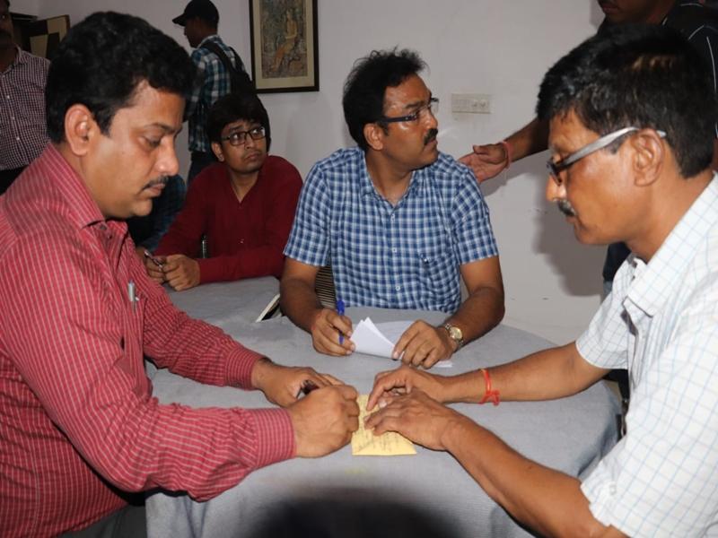 Bribe Case in Shivpuri : शिवपुरी में 1 लाख 17 हजार की रिश्वत लेते सीएमओ गिरफ्तार