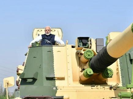 PM ने K9 वज्र टैंक देश को सौंपने के बाद की इसकी सवारी, चारो तरफ दुश्मन को करेगा ढेर