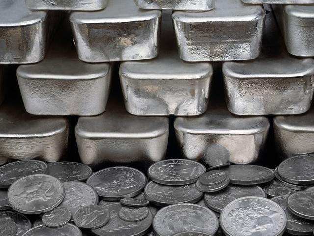 Bullion Market : विदेश के कमजोर रुझान से चांदी 410 रुपये टूटी