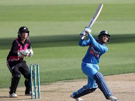 Women's T20 International: स्मृति की फिफ्टी काम न आई, न्यूजीलैंड ने किया भारत का सफाया