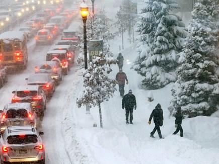 बर्फीले तूफान की वजह से वाशिंगटन में बंद रहे स्कूल