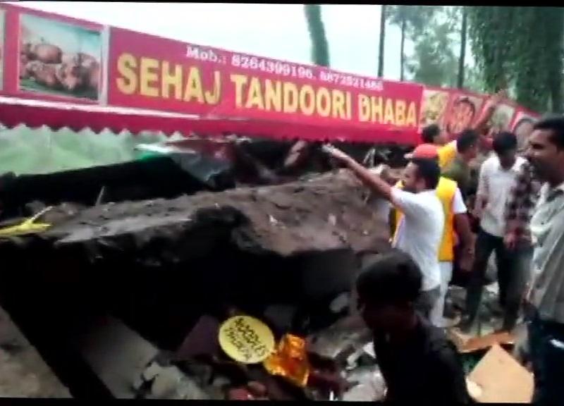 Hotel collapsed in Himachal : 4 मंजिला इमारत ध्वस्त, 2 जवान समेत 3 की मौत, 14 अब भी फंसे, बचाव कार्य जारी
